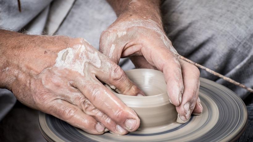 hands-1139098_1920