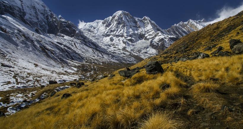 mountain-1545585_1920.jpg