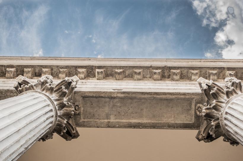 pillars-1209686_1920