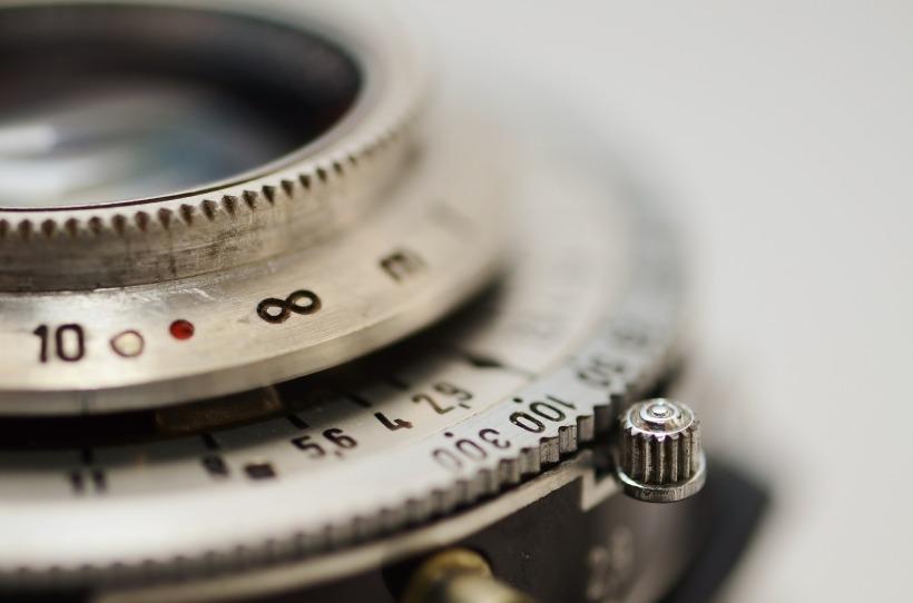 lens-637558_1920