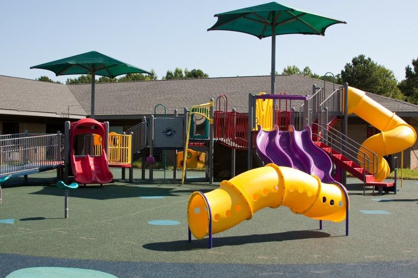 playground-99509_1920
