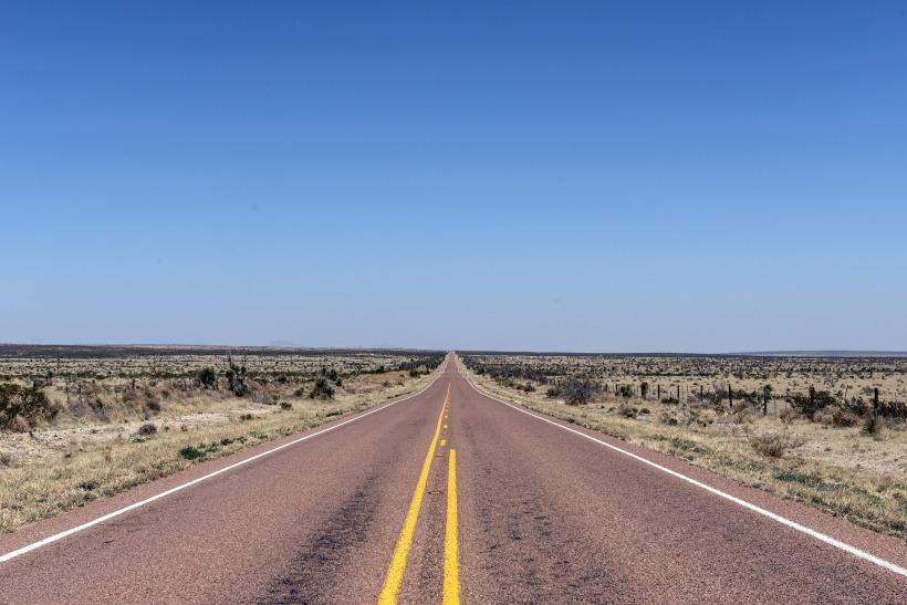 road-808167_1920.jpg