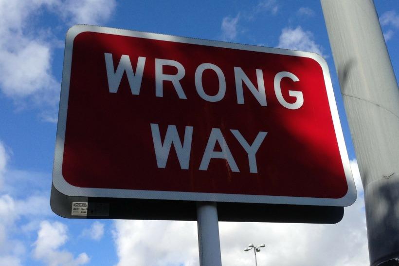 wrong-way-167535_1920