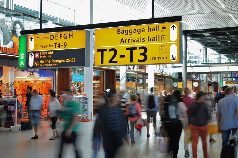 airport-384562_1920.jpg