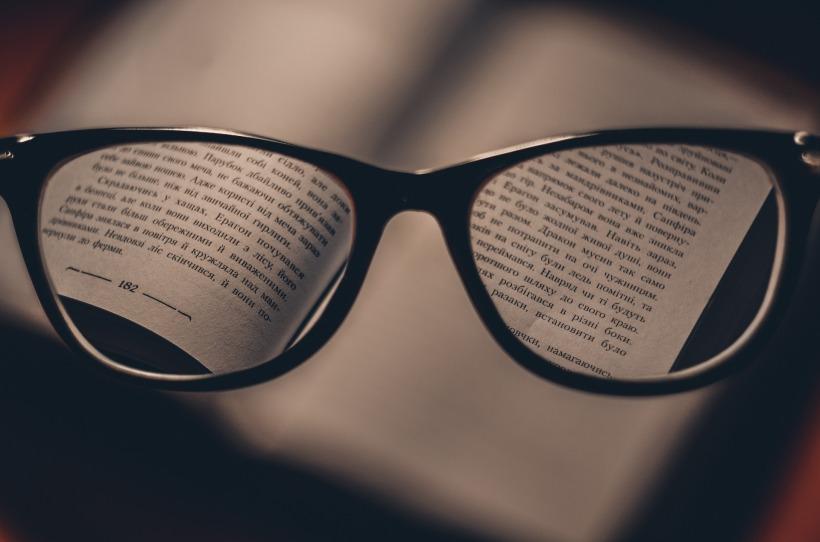 glasses-1246611_1920 (1).jpg