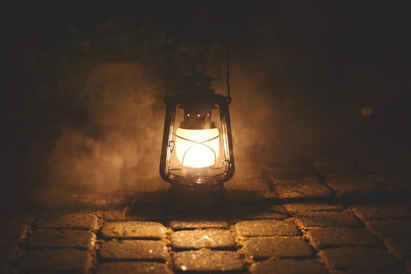 lamp-2903830_1920 (1).jpg